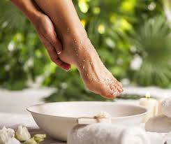 rubbing alcohol kill toenail fungus